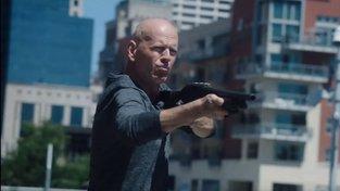 Bruce Willis se z béčkového bahna nevymaní ani s novou akcí Reprisal