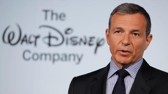 Šéf Disney přiznal chybu a šlape na brzdy, Star Wars už tak často nebudou