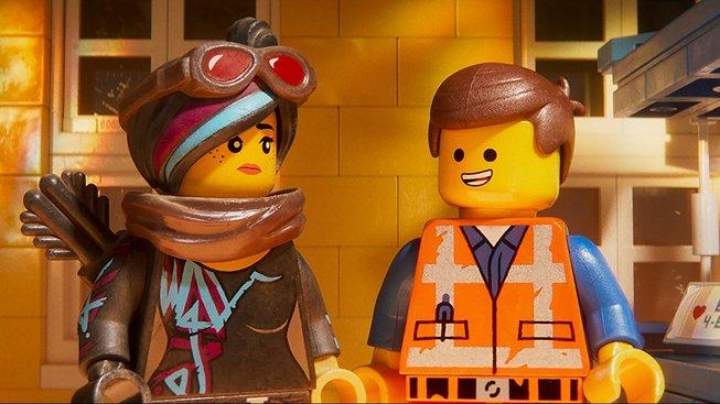 LEGO příběh 2 vrací do hry utrápenou Ligu spravedlnosti