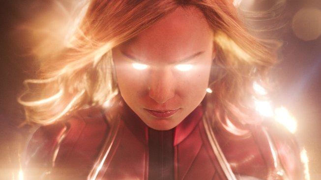 První recenze jsou tady: Captain Marvel se povedla, ale žádná pecka to není