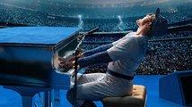 Rocketman: Taron Egerton se představuje jako Elton John