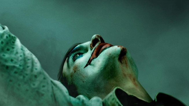 Joker: první teaser ukazuje děsivého a vychrtlého Joaquina Phoenixe