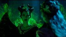 První teaser na Zloba: Královna všeho zlého tahá z rukávu nejen Angelinu Jolie