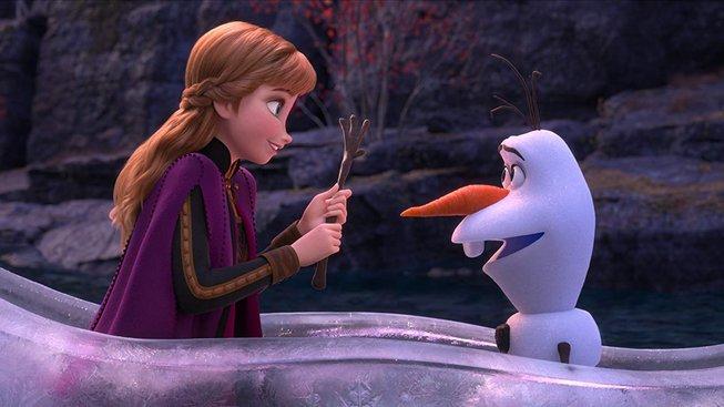 Druhý trailer na Ledové království 2 odhaluje nový podzimní svět