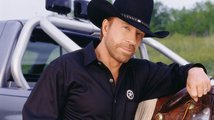 Chucka Norrise v novém seriálu Walker Texas Ranger nahradí Padalecki