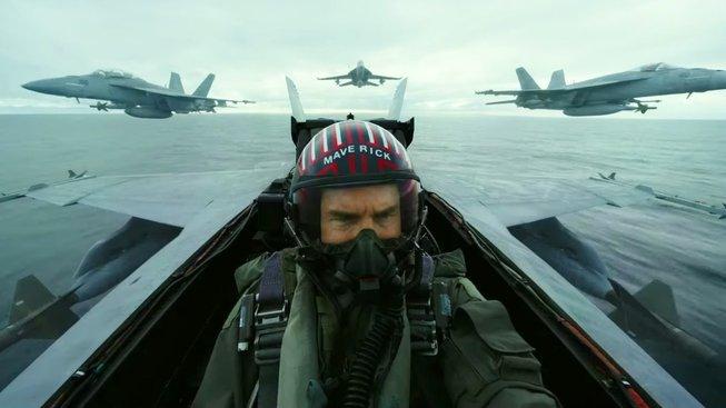 Před koronavirem utíká už i Tom Cruise a jeho Top Gun: Maverick