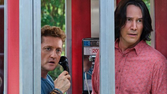 Keanu Reeves a Alex Winter se vrací v druhém traileru na Bill a Ted
