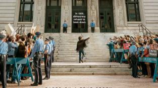 Sorkinův Chicagský tribunál dostal první trailer
