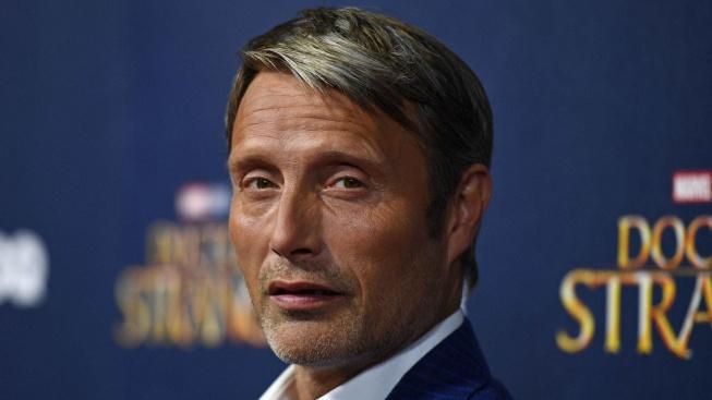 Potvrzeno: Johnny Depp dostal padáka, ve Fantastických zvířatech ho nahradí Mikkelsen
