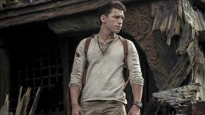 První trailer na Uncharted staví Toma Hollanda do prekérních situací